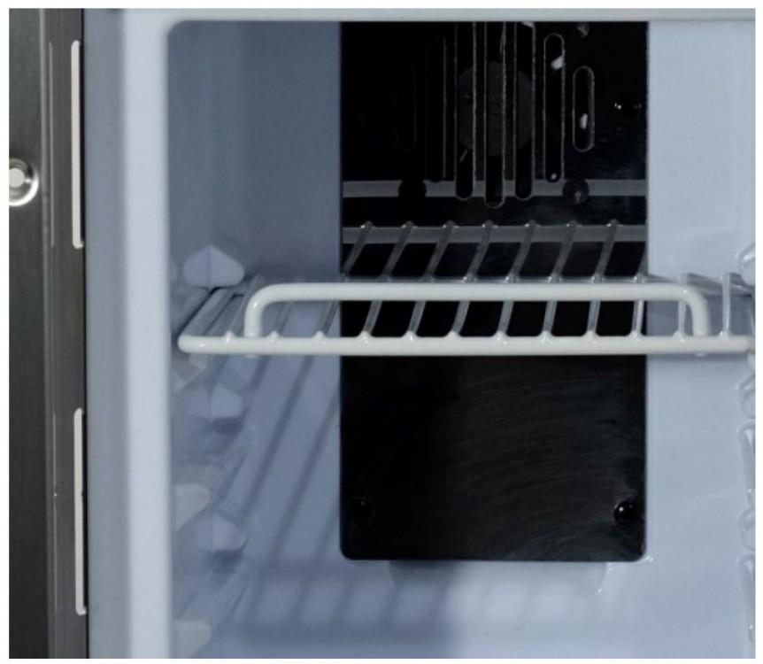FM07 chladnička pro sanitní vozy, vnitřek chladničky