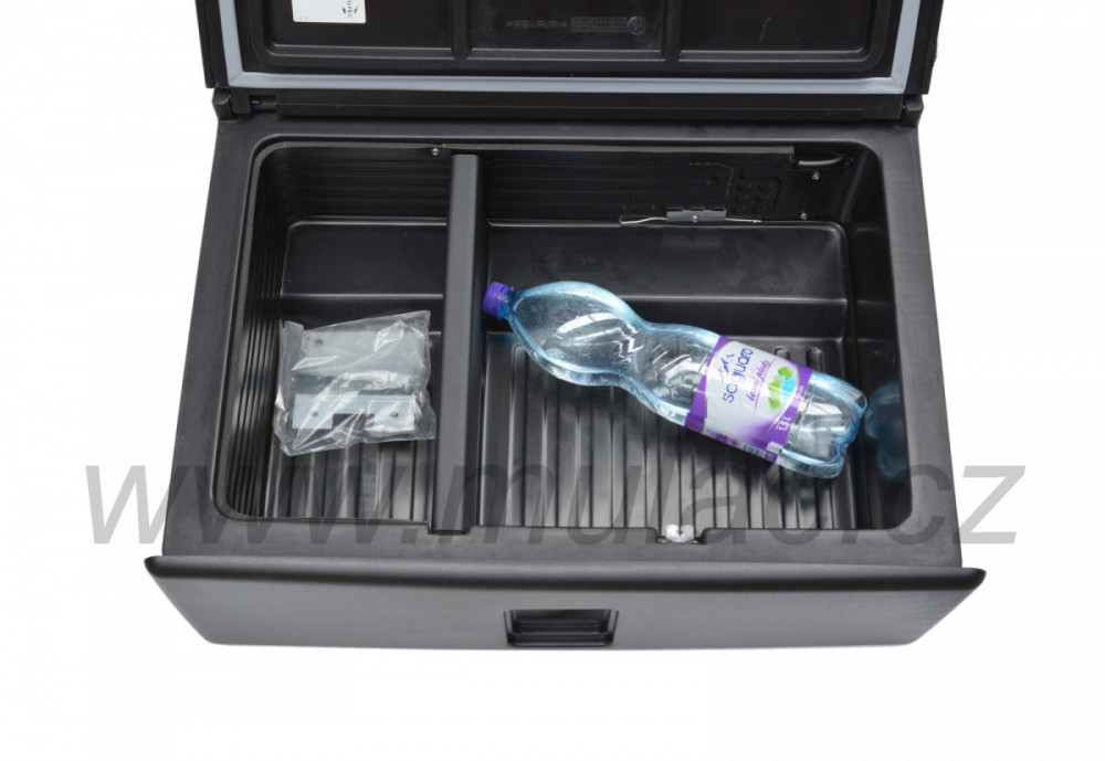 V26 VITRIFRIGO kompresorová autochladnička 12/24V otevřená s přepážkou